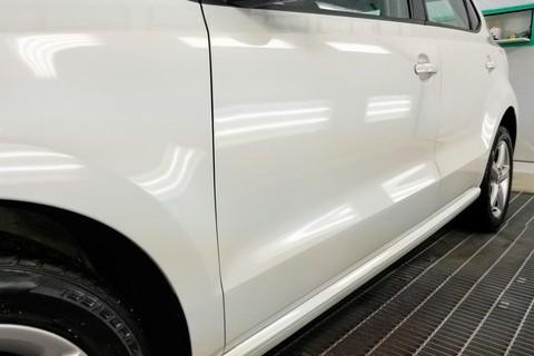 VW POLO 軽研磨施工