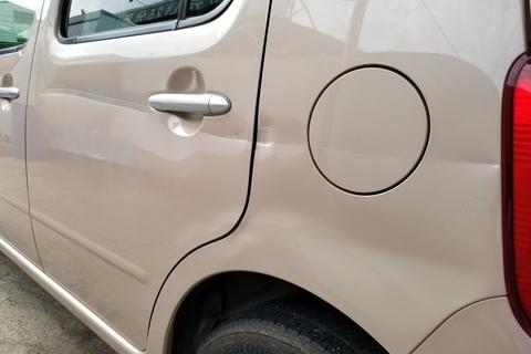ダイハツ ミラココア 左リヤドア交換/リヤクォータパネル板金塗装